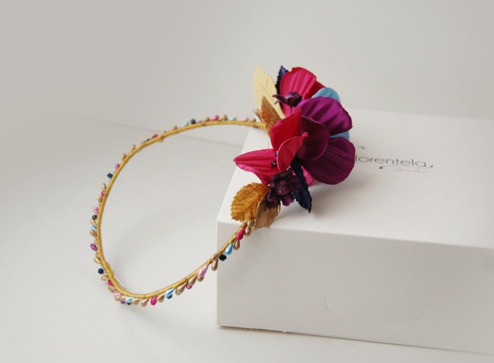 corona-pistilos-flores-saten