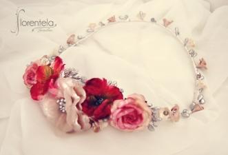 corona_novia_invitada_flores_porcelana