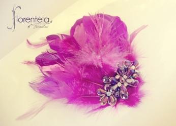 peineta_invitada-plumas-pedrería