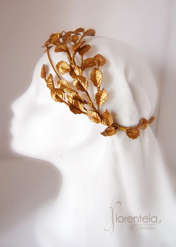 corona_porcelana-novia-invitada-dorado