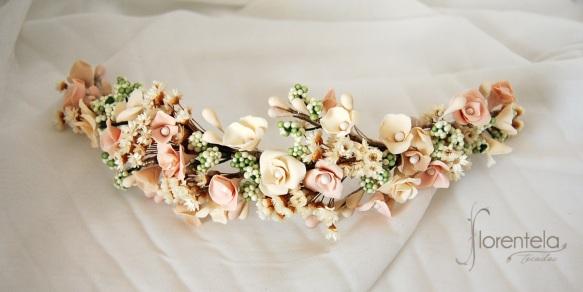 tiara_novia-invitada-comunion-porcelana-flores-preservadas