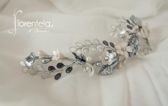 tocado_invitada_novia-alambre_esmaltado-porcelana
