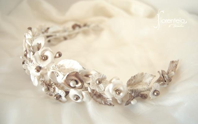 Tiara Aitana de porcelana para novia