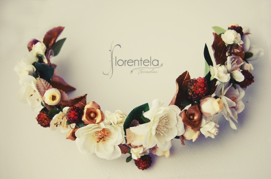 tiara_invitada-flores-porcelana