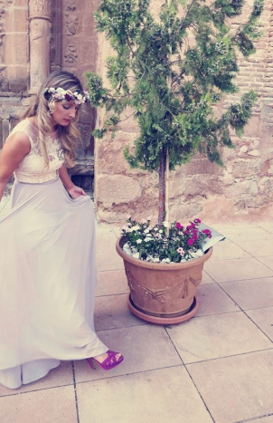 Tiara_invitada_flores_tercipelo_porcelana