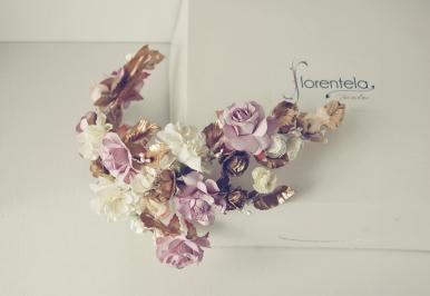 tocado_flores_novia_invitada_porcelana