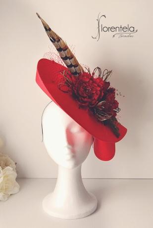 tocado-base-paja-roja-con-flores-y-pluma-de-faisan-jpg1