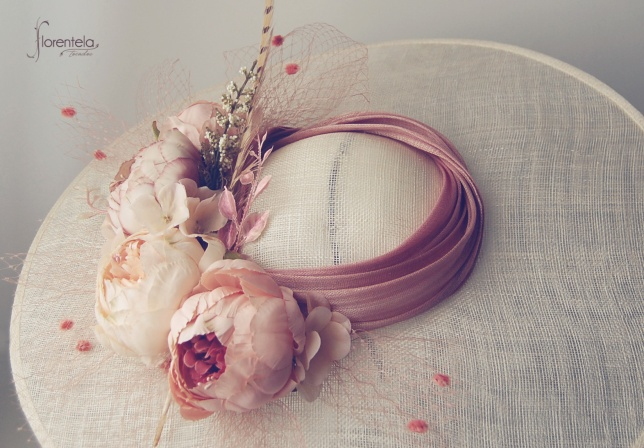 pamela-marfil-flores-rosa-nude