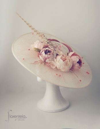 pamela-marfil-flores-rosa-nude1