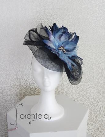 tocado--sinamay-crin-plumas-azules