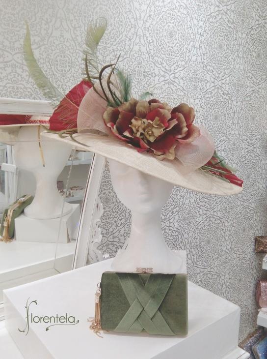 pamela-roja-dorada-verde-hoja