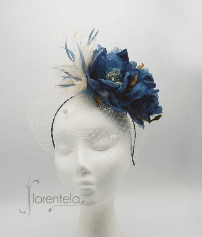 tocado-flores-terciopelo-organza-plumas